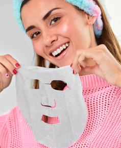 Tips de limpieza facial usando mascarilla de tela Skin first de Cyzone