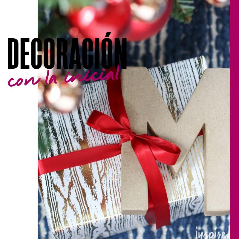 Envolturas de regalos de navidad - Decoración con la inicial | Fuente: Google Images